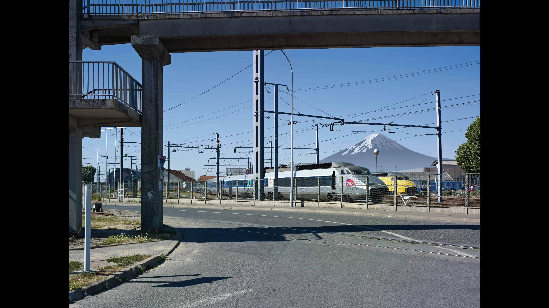 Paysage 116 Villeneuve-Fuji photomontage mont Fuji  Alain Bublex Stream 03  PCA-Stream