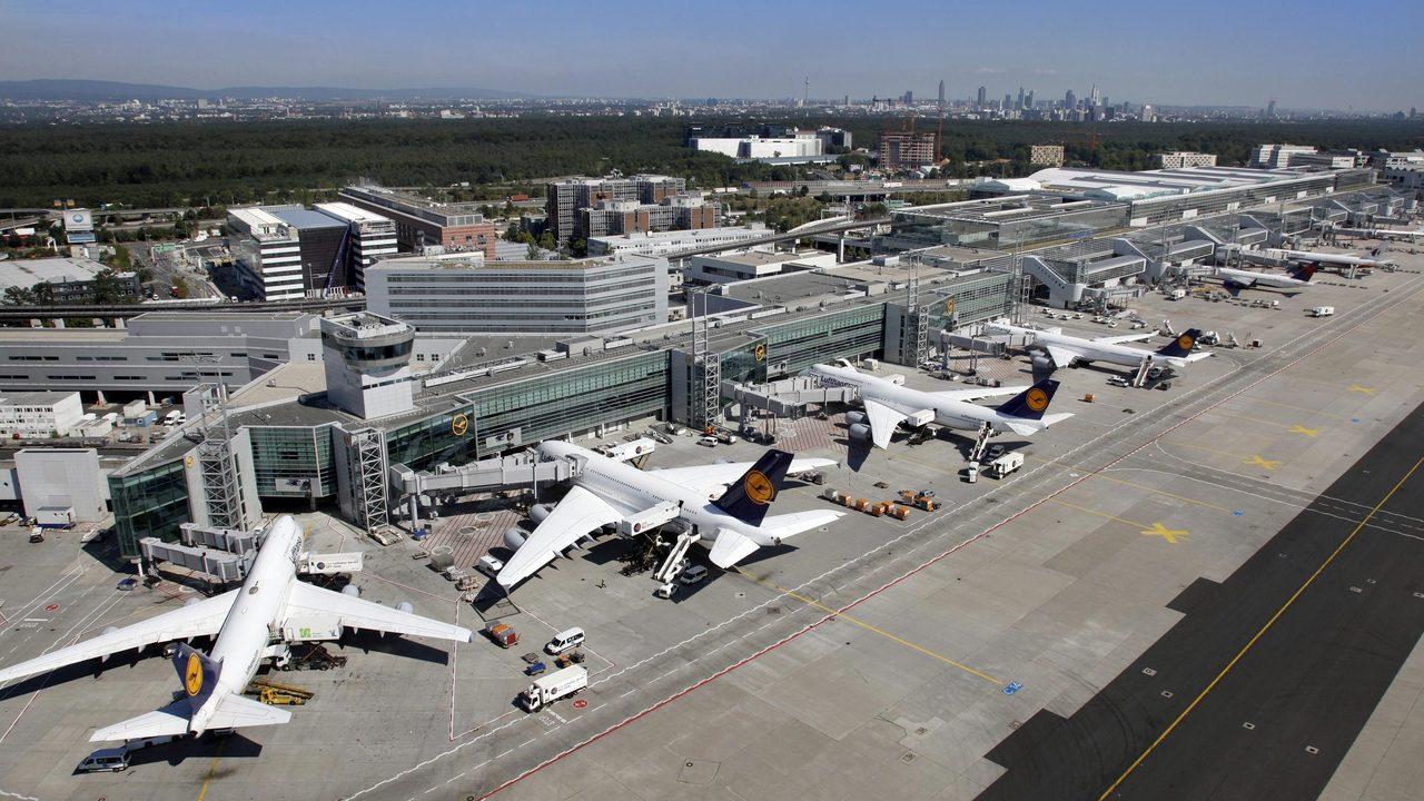 Airport terminal Greg Lindsay Stream 03  PCA-Stream