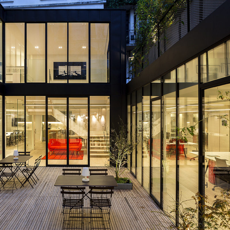 cluster PCA-STREAM offices marais paris ecosystem creative workplace patio
