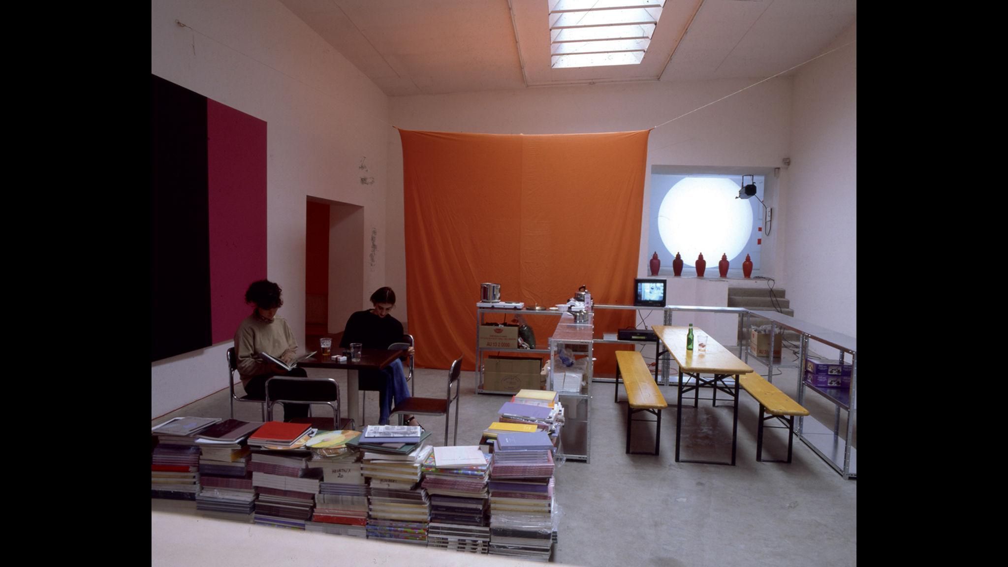 Untitled (One Revolution Per Minute) Rirkrit Tiravanija Clément Dirié Stream02 PCA-STREAM