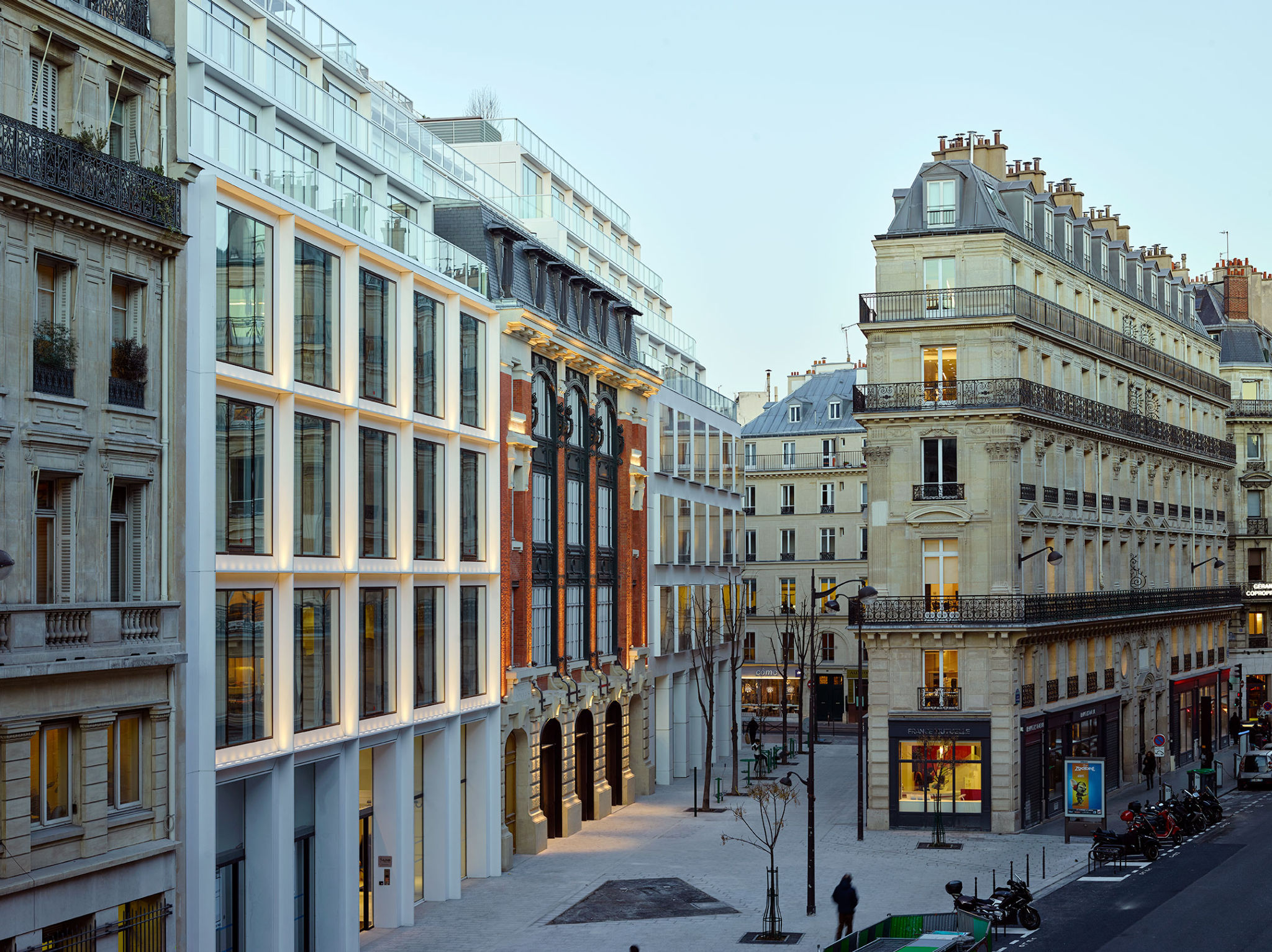 #cloud.paris PCA-STREAM bureaux hypercentralité nouveaux usages vue de nuit
