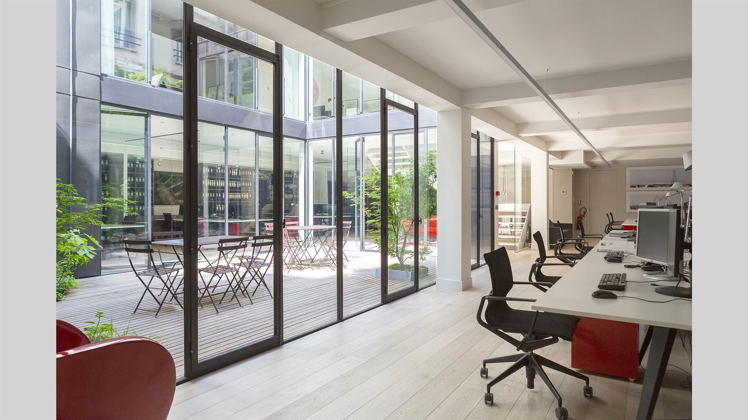 cluster PCA-STREAM offices marais paris ecosystem creative workplace